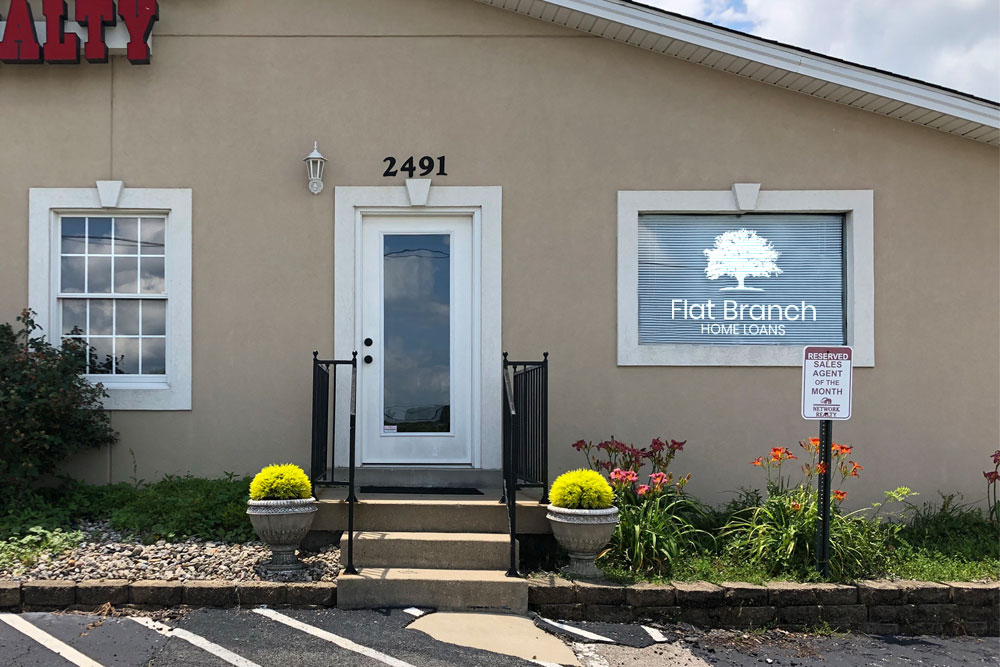 picture of Elizabethtown storefront